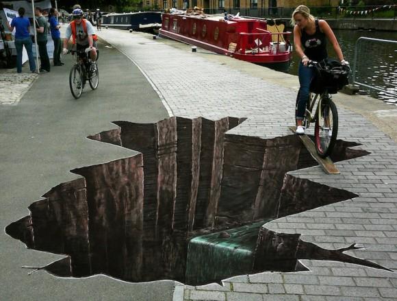 Via http://www.digitalbusstop.com/15-amazing-street-art-photos/